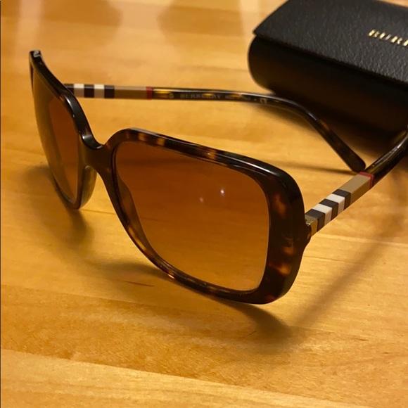 Burberry Tortoise brown square sunglasses